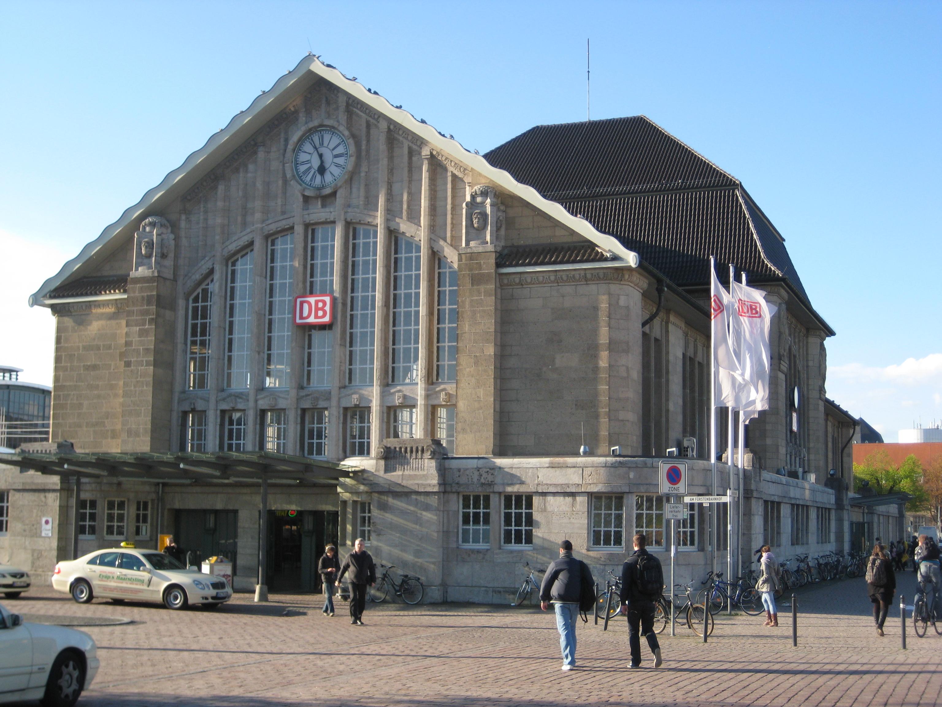 Darmstadt Bahnhof Parken