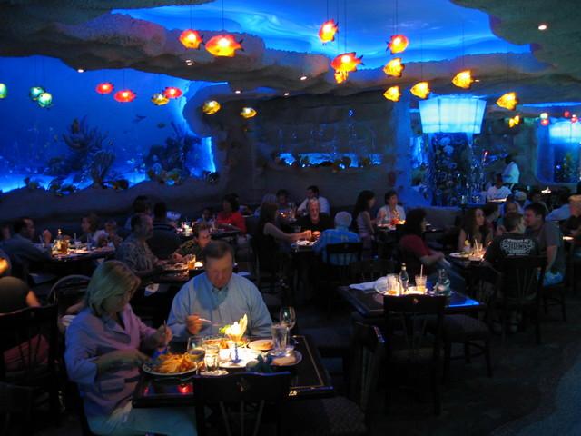 Image Diners At The Aquarium Restaurant